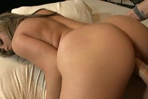 peliculas xxx Adorable bitch with huge ass prefer cock with a condom